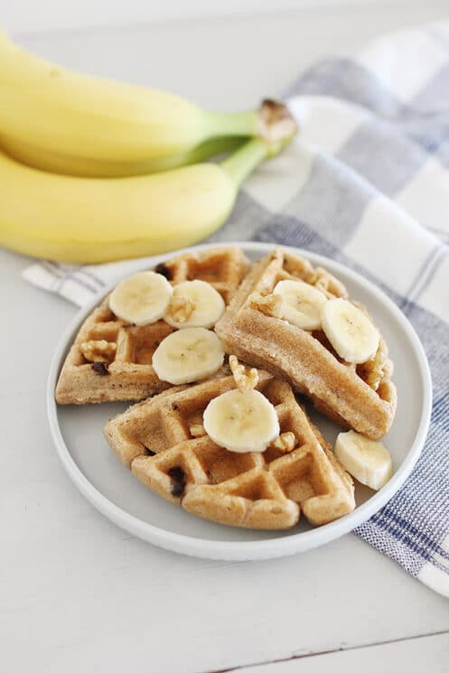 Healthy waffles have never been easier! Try our our recipe for whole wheat banana Waffles for breakfast today