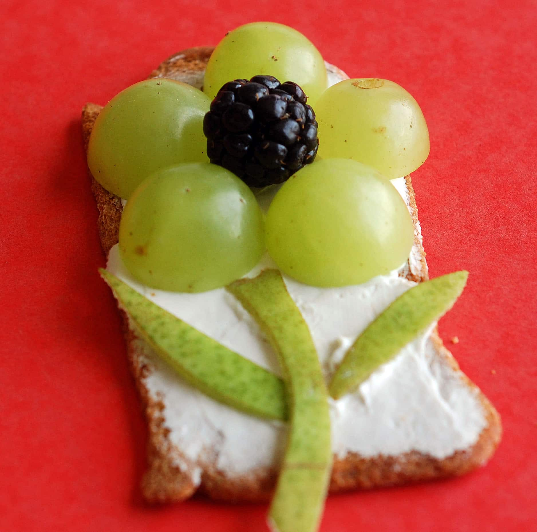 Easy Snack options- Cracker Toppings | Healthy Ideas for Kids