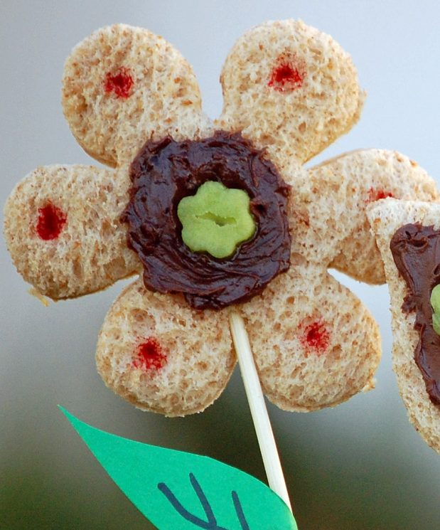 flower snacks made with whole wheat high fiber bread