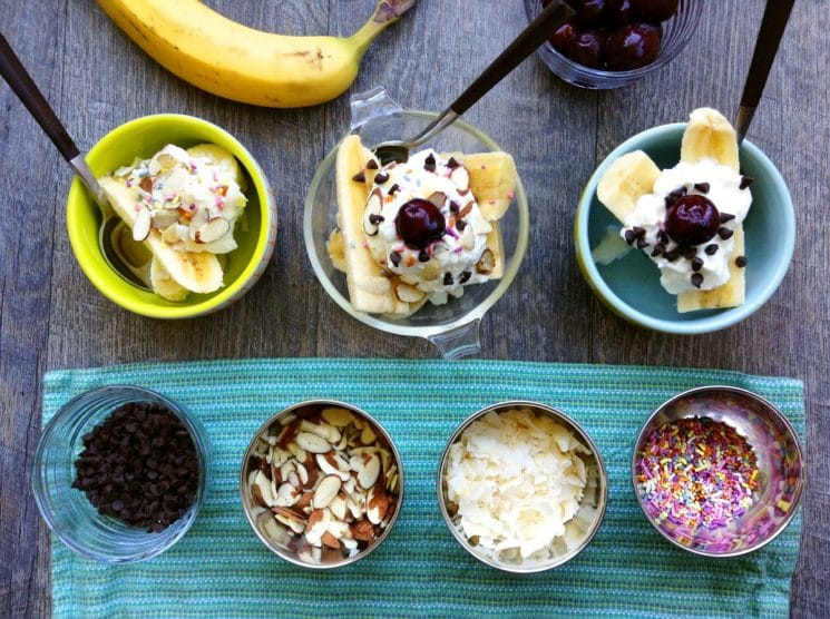 homemade healthy banana splits