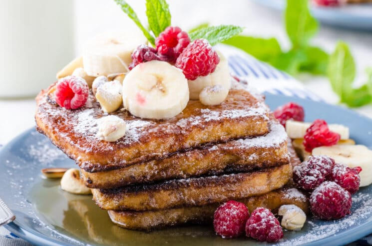 High fiber flax french toast healthy breakfast for kids with raspberries and bananas