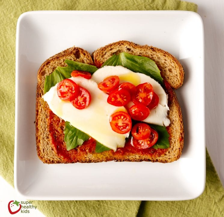 Toast Toppings: 25 Ideas for a Healthy Breakfast. Great ways to start your day!