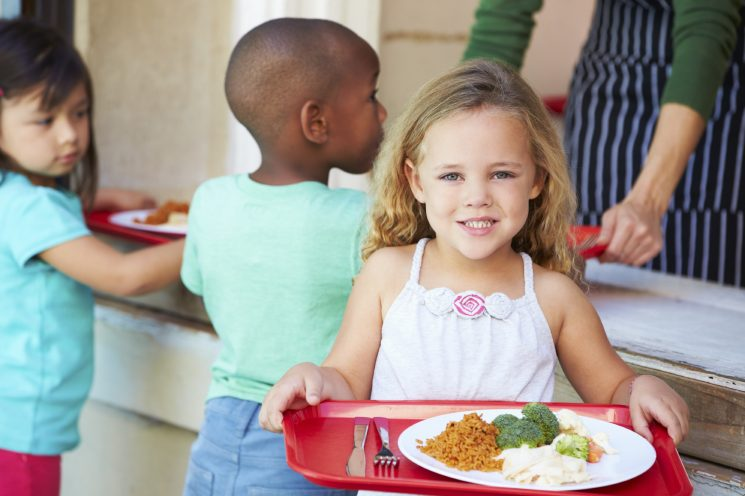kids grabbing lunch, Getting a Picky Eater to Eat