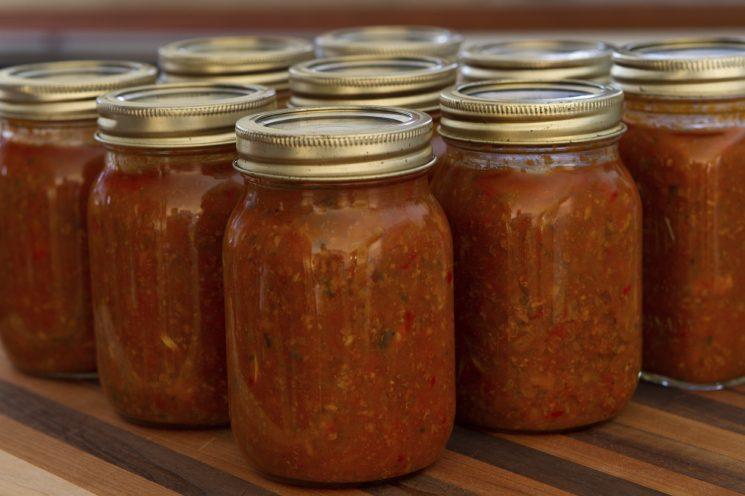 home jar spaghetti sauce