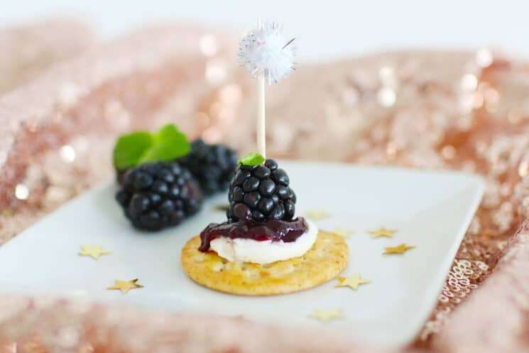 Festive Fruit and Cream Cheese Crackers