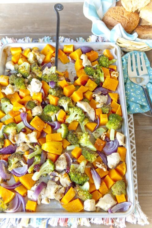 Chicken and Fall Roasted Veggies Sheet Pan Dinner. www.superhealthykids.com