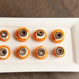 Carrot Eyes - Super Healthy Kids