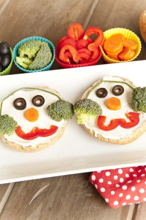 healthy christmas snack idea the snowman bagel