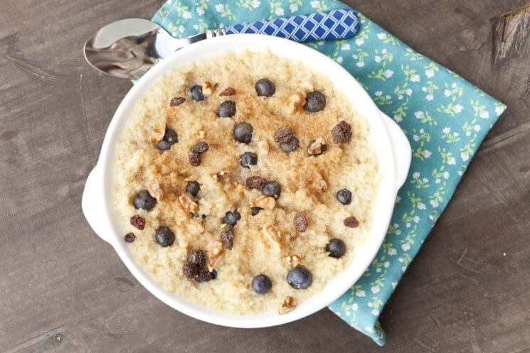 Quinoa Breakfast with Blueberries and Raisins