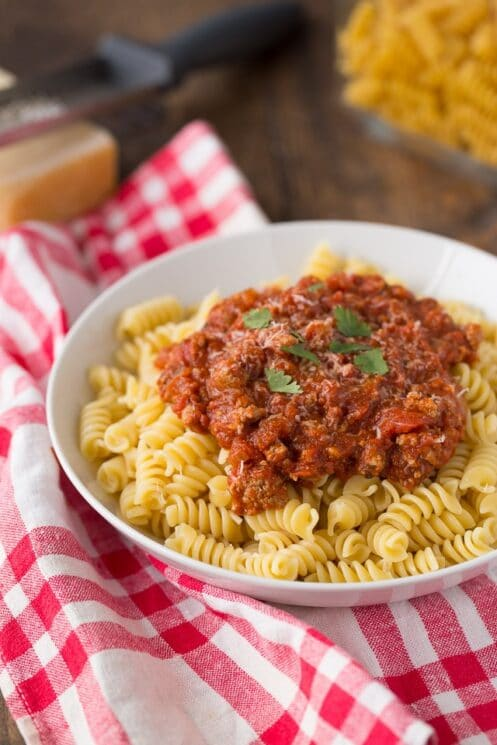 Healthy Bolognese you can make in the slow cooker of instant pot!