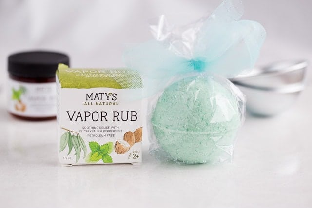 DIY Soothing All Natural Peppermint Bath Bombs