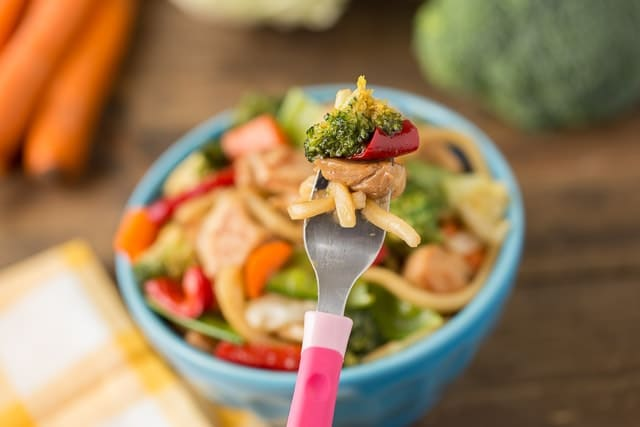 Veggie Chicken Teriyaki Bowls the kids will love