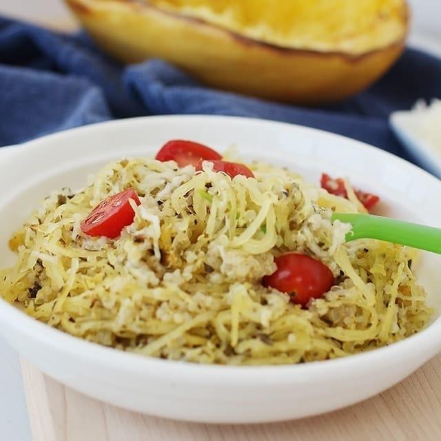 spaghetti squash recipe with tomatoes and pesto