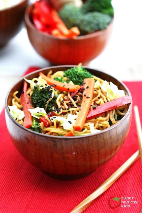 One Pot Veggie Yakisoba. A quick dinner idea that are sure to get the kids eating more vegetables.