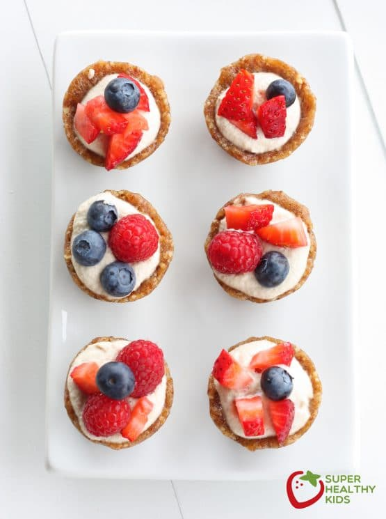 Cashew Cream Tart Recipe. These are sweet, nutty, and taste like an amazing bite of cookie mixed with fruit. www.superhealthykids.com