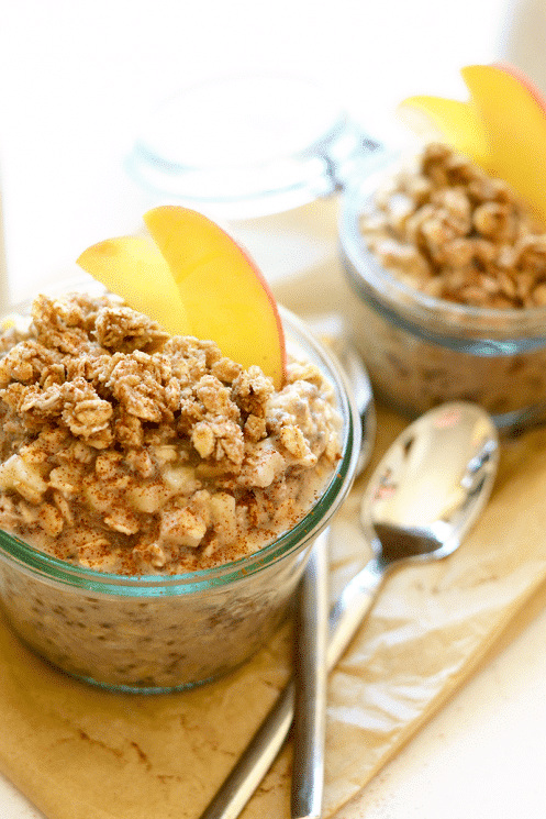 Apple Cobbler Overnight Oats. Take 5 minutes to prep breakfast for the family before bed and have the most delicious, whole-grain breakfast that tastes exactly like Apple Cobbler! www.superhealthykids.com
