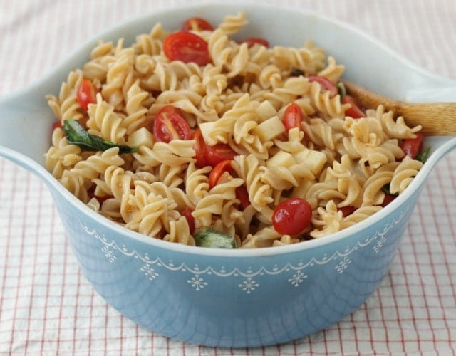 Easy Caprese Pasta Salad. Best Pasta Salad Ever for Your Family!