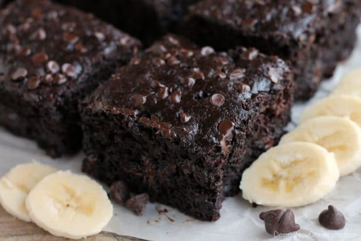Double Chocolate Banana Cake. This lightened up chocolate cake has no oil, uses bananas and applesauce to keep it moist, and has just the right amount of chocolate to make it feel like an indulgent treat. No frosting required! www.superhealthykids.com