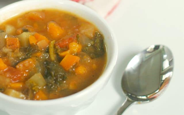 Slow Cooker Vegetable Stew. And amazing dinner that the slow cooker makes for you! www.superhealthykids.com