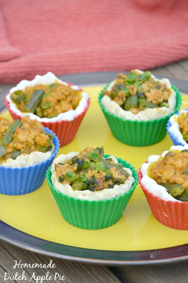 Muffin Tin Mini Pumpkin Pot Pies. Use Thanksgiving leftovers to make this quick weeknight meal! www.superhealthykids.com