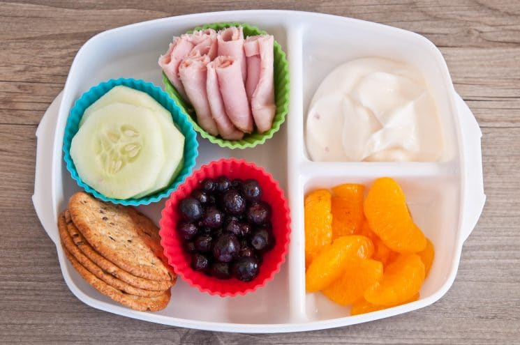 School Lunch Versus Packed Lunch-Interesting Research and Tips. Is school lunch really healthier than what parents are packing? New research on how you can change this, and make sure you are including what should be in your child's lunch. www.superhealthykids.com