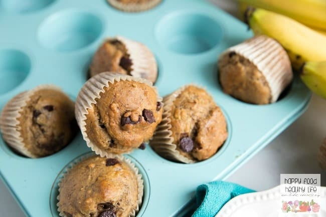 Dark Chocolate Chip Whole Wheat Banana Bread Muffins. These muffins are the perfect after-school snack. It'll fill up those little bellies with a healthy snack but won't ruin their appetite for dinner. Click through for this super easy recipe!