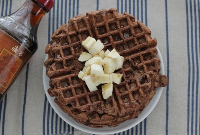 Healthy Chocolate Banana Waffles. A MUST have recipe!