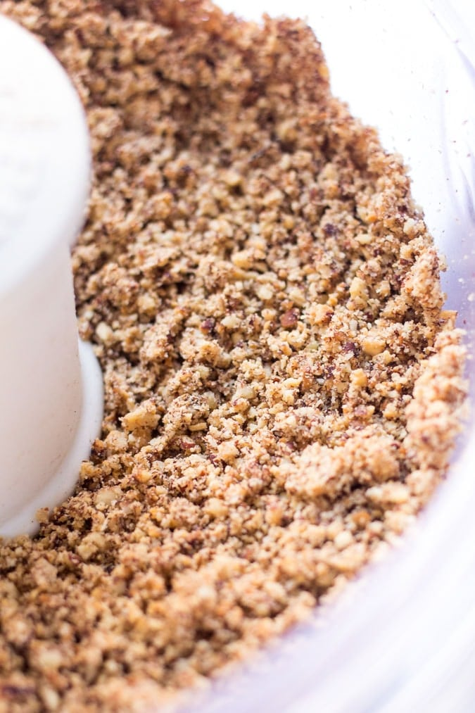 How to make homemade pecan butter -- only 5 simple steps to the most delicious homemade nut butter on the planet!