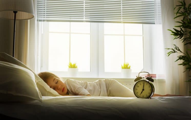 Top Tips to Prepare for Daylight Savings Time and Sleep with Your Kids. www.superhealthykids.com