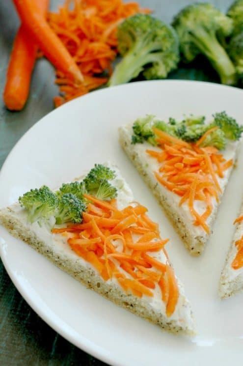 Veggie Flatbread Pizza Recipe - AMAZING flavor and super fun to let your kids top! www.superhealthykids.com