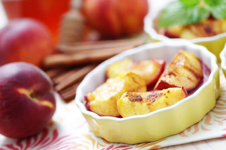 Grilled Peaches with Honey and Cinnamon