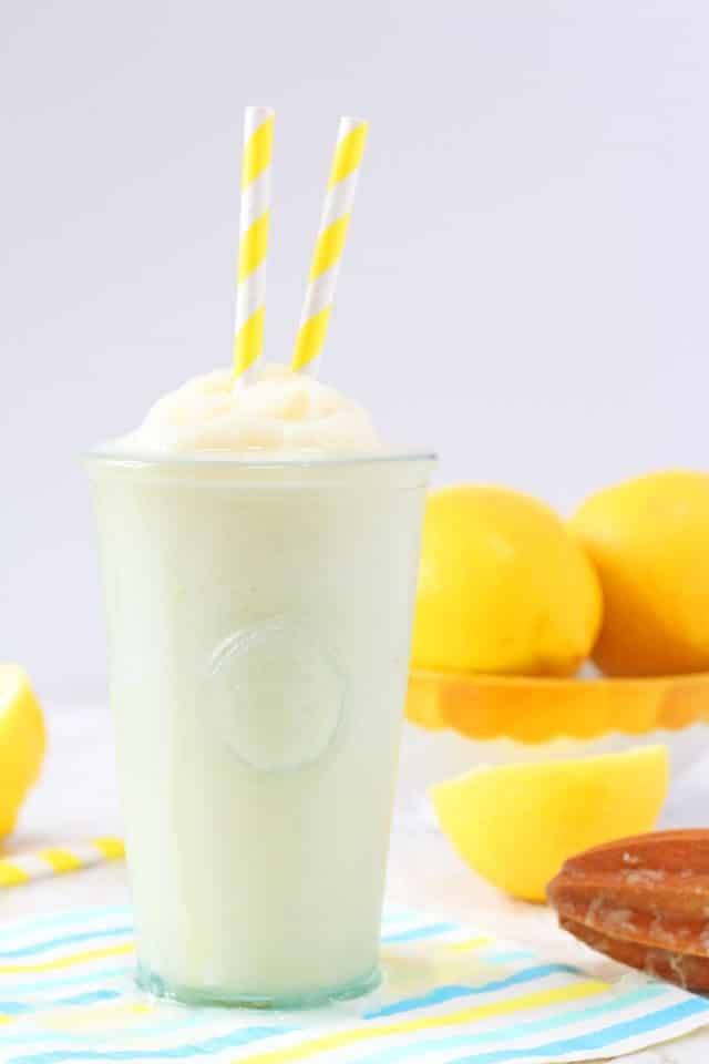 Chick-Fil-A Copycat! A delicious and refreshing recipe for homemade Frosted Lemonade made a little healthier! www.superhealthykids.com