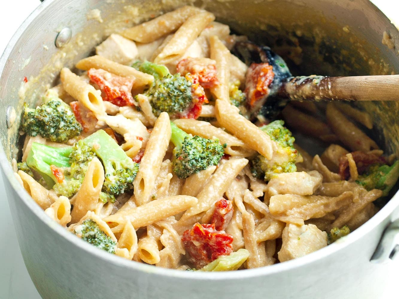 Tangy One Pot Chicken And Veggie Pasta Dinner