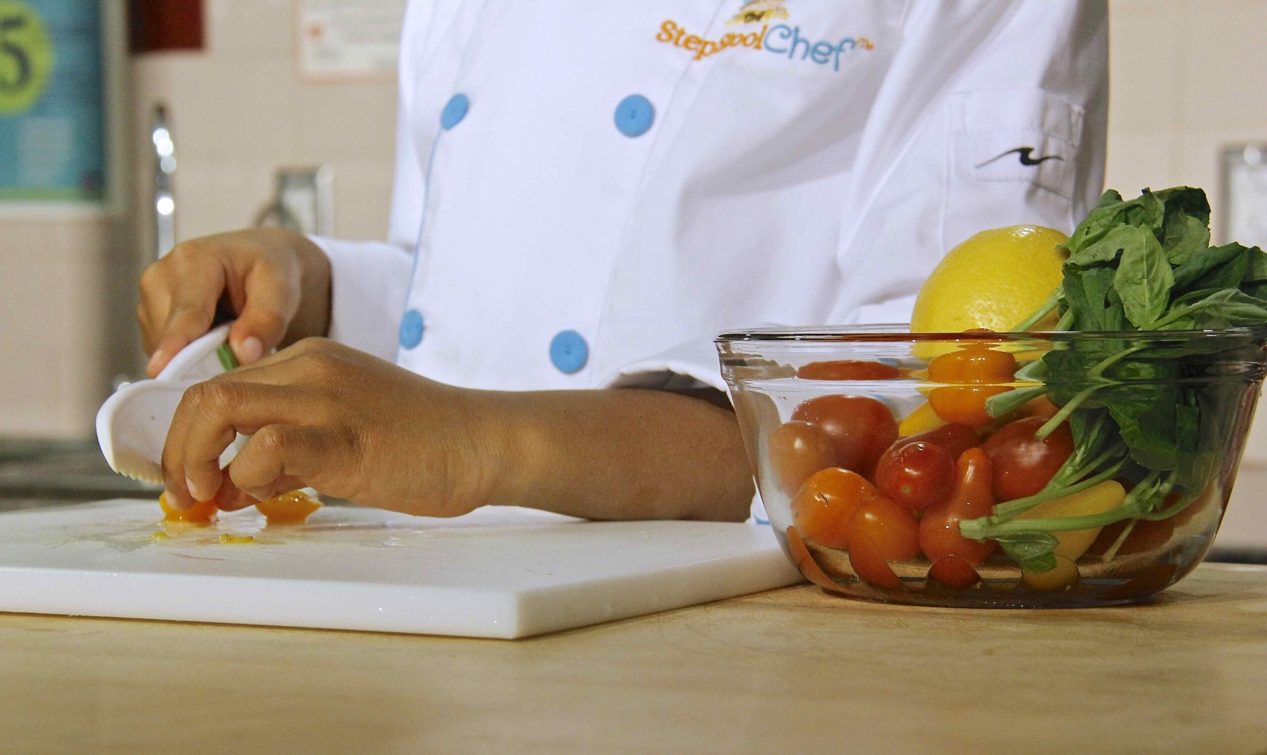 Top 7 Kitchen Safety Tips To Teach Your Kids Super Healthy