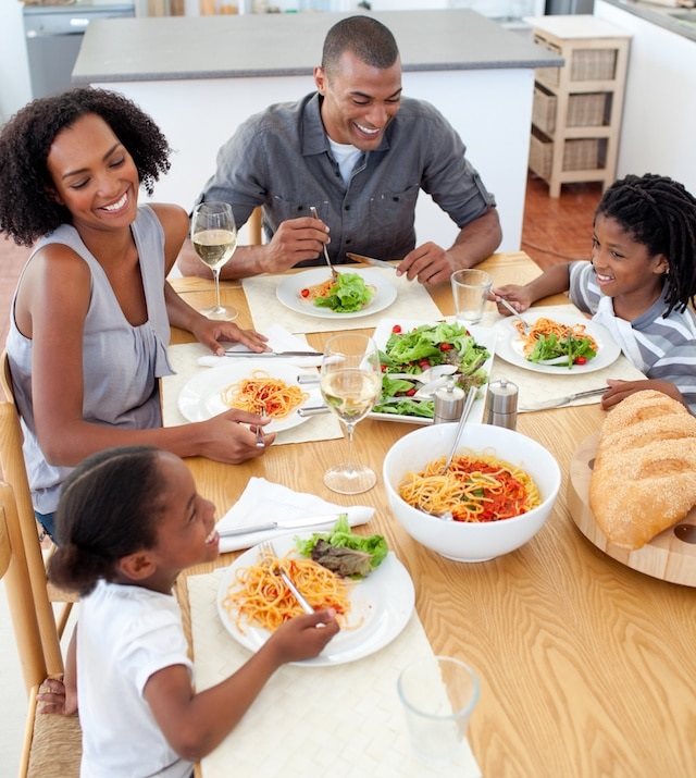 No more fights over food! These are our best tips for making family dinners and trying new foods a better experience.