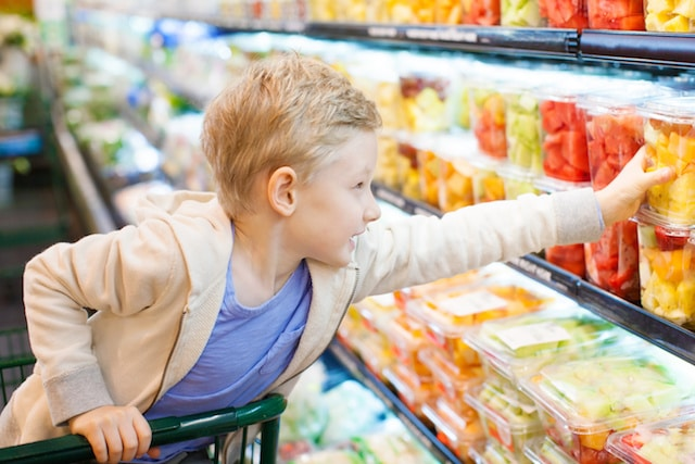 How to Help Your Children Try New Foods. Lots of great ideas here!