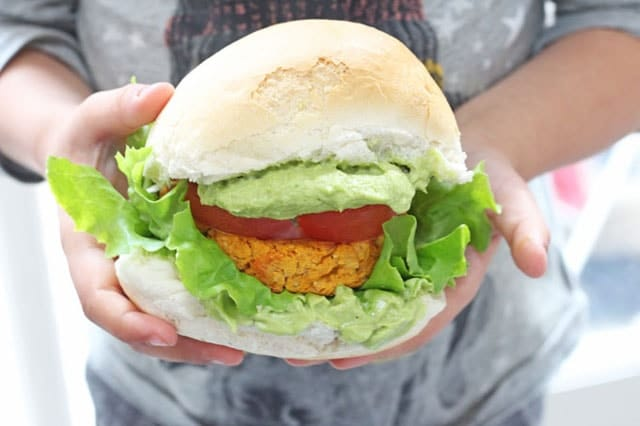 Cajun Sweet Potato and Chickpea Veggie Burger. Delicious veggie burgers packed with sweet potato and chickpeas and lightly spiced with cajun seasoning. www.superhealthykids.com
