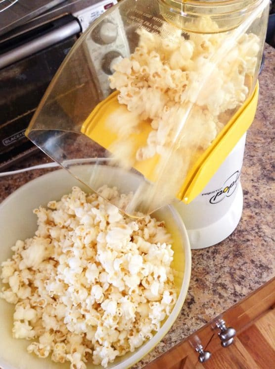 air popper making popcorn