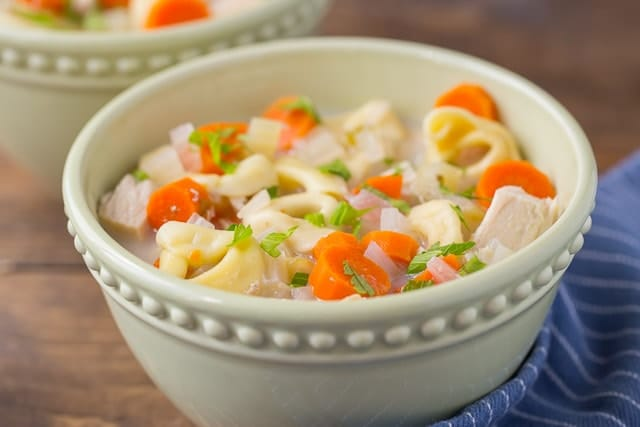 Crock Pot Healthy Creamy Tortellini Soup