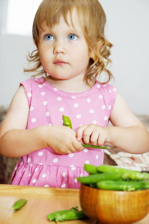 baby eating green beans, healthy snacks