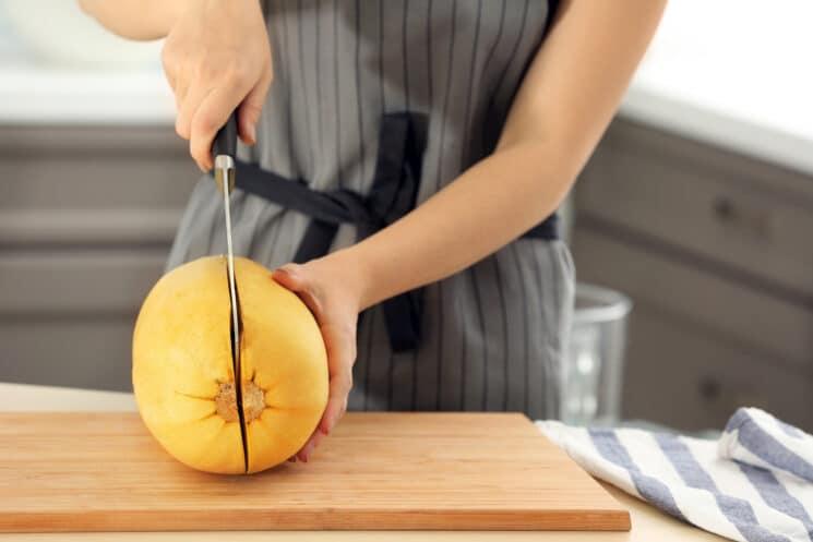 Cutting a spaghetti squash