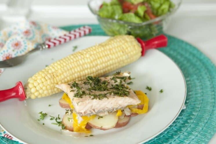salmon grill packet with potatoes peppers and corn