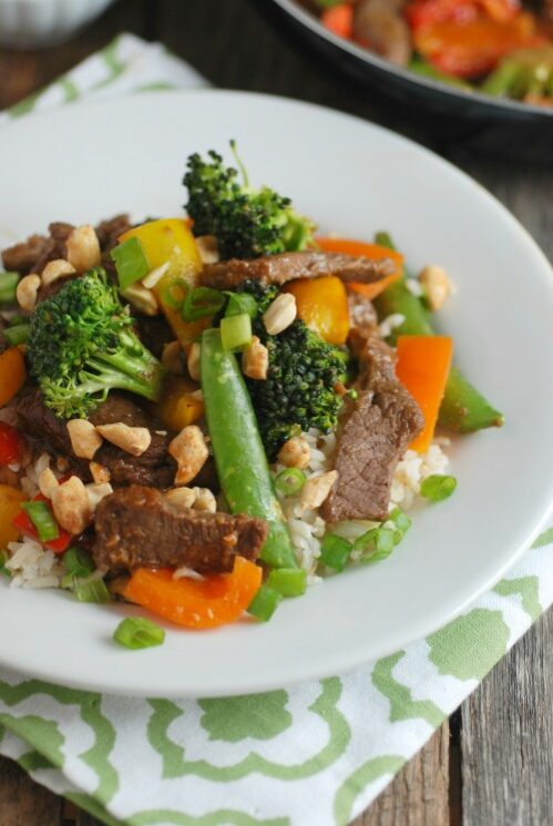 beef and veggie stir fry with peanut sauce