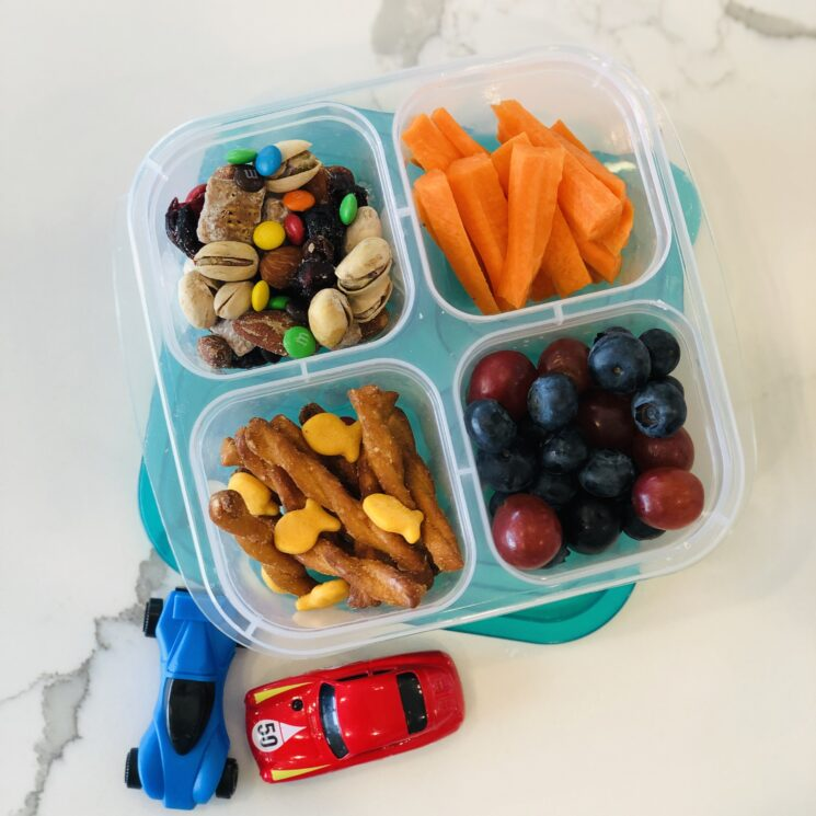 Photo of Ultimate List of Healthy Travel Snacks for Kids