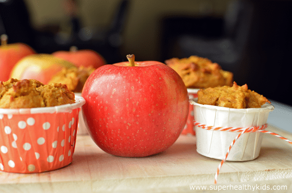 Pumpkin Apple Muffin Recipe for Kids. Grab some pumpkin and apples, then make these AMAZING, To die for muffins!