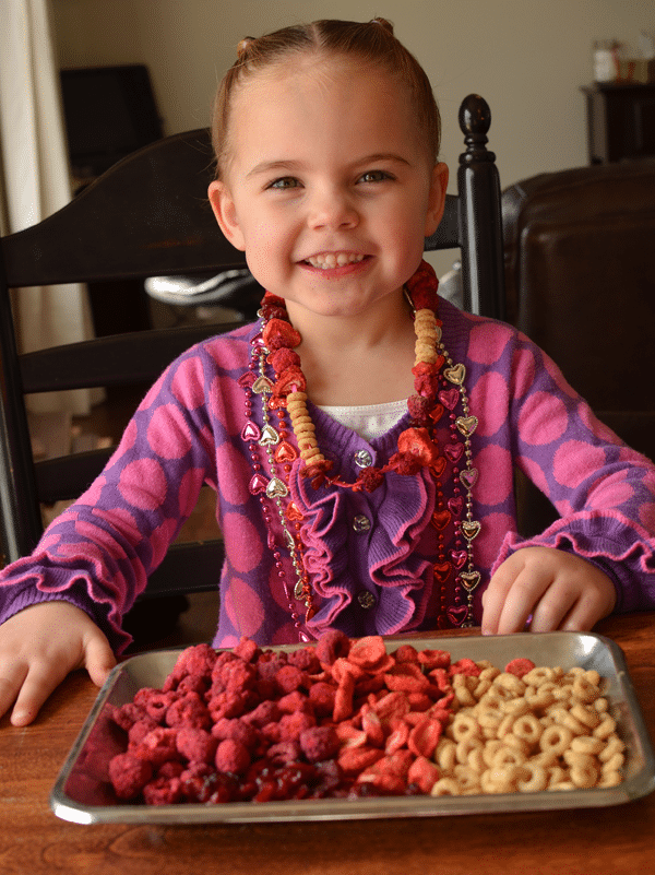 All Natural Candy Necklace. Here's a fun (and edible!) Valentine's Day craft!
