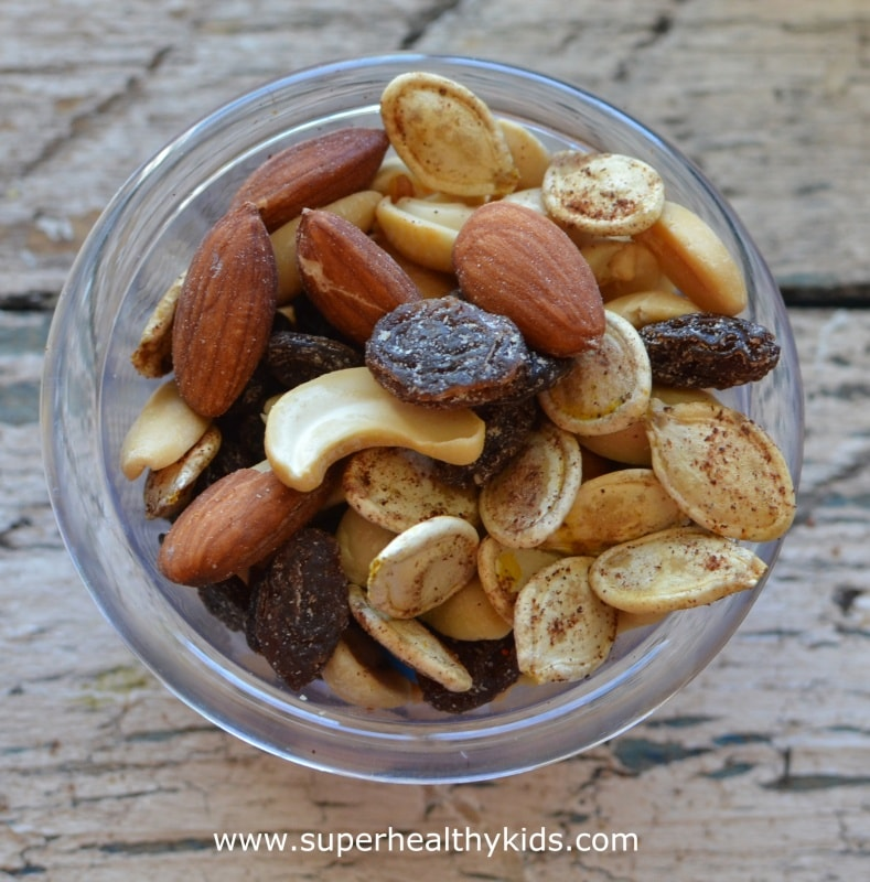 Super Crunchy Pumpkin Spice Seeds. A recipe + Creative uses for your pumpkin seeds