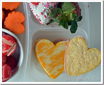 Valentines Lunch and Menu Plan. Here's some fun meals to eat on Valentine's Day!